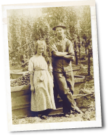 Historic photo of brother and sister on Spooner Farms in Puyallup, WA - Alderton area